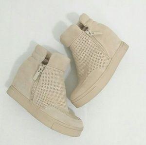 Steve Madden Linqsp Tan High Top Sneakers